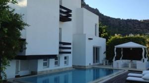 Türkbükünde 5 Villalık Özel Sitede Havuzlu Manzaralı Villa