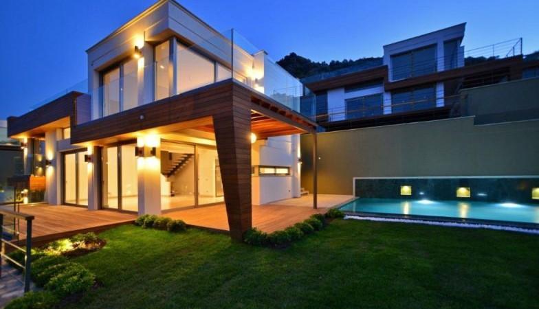 Yalıkavakta Muhteşem Manzaralı Özel Havuzlu Villa