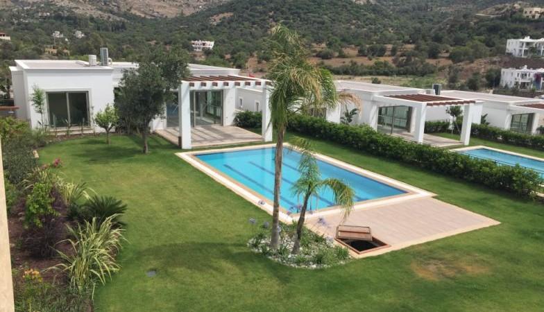 Yalıkavak Merkeze Yakın Site İçinde Müstakil Havuzlu Villa