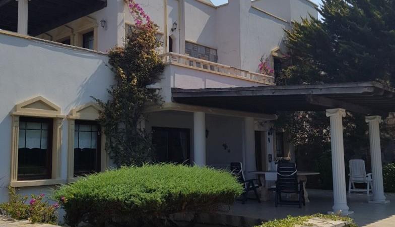 Yalıkavak Kızılburunda 1100 M2 Arsa İçinde Havuzlu Triplex İki Villa