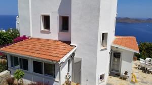 Yalıkavakta Muhteşem Manzaralı Triplex Köşe Villa