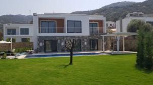 Yalıkavak Geriş Altında Manzaralı Havuzlu Müstakil Villa
