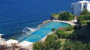 Yalıkavak'ta Denize Sıfır Özel Plajlı Havuzlu Manzaralı Daire