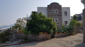 Türkbükü Sandalet Evlerinde Manzaralı Bahçe Katı