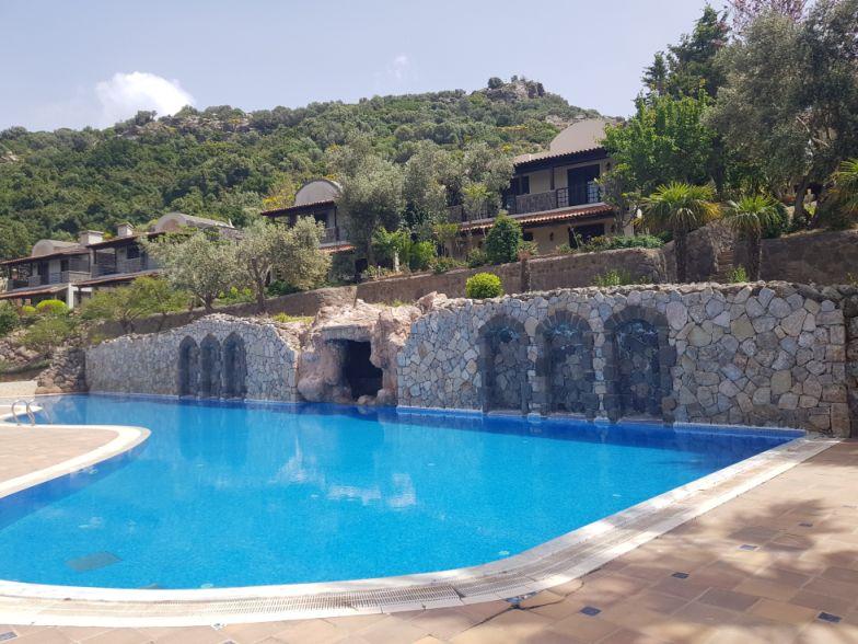Gündoğan Küçükbük Koyunda Manzaralı Bahçeli Dublex Villa