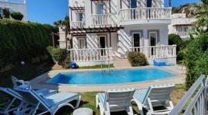 Yalıkavak Site İçinde Havuzlu,Bahçeli Müstakil Villa